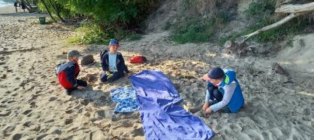 Klasa 1a witała jesień na plaży